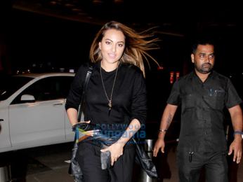 Sonakshi Sinha, Adah Sharma, Taapsee Pannu & others snapped at the airport