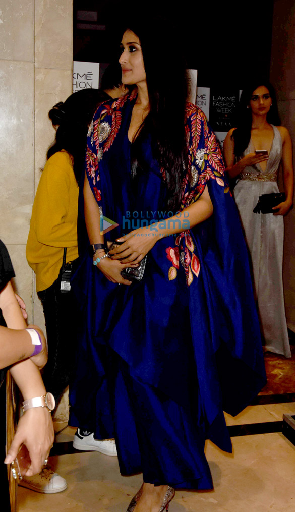 Sunny Leone, Sushant Singh Rajput, Tiger Shroff, Sridevi and others on Day 5 of Lakme Fashion Week 2017 (63)