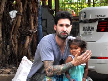 Sunny Leone's husband Daniel Weber snapped with baby Nisha