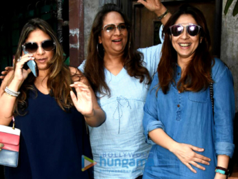 Twinkle Khanna and Bhavna Pandey snapped at Pali Bhavan