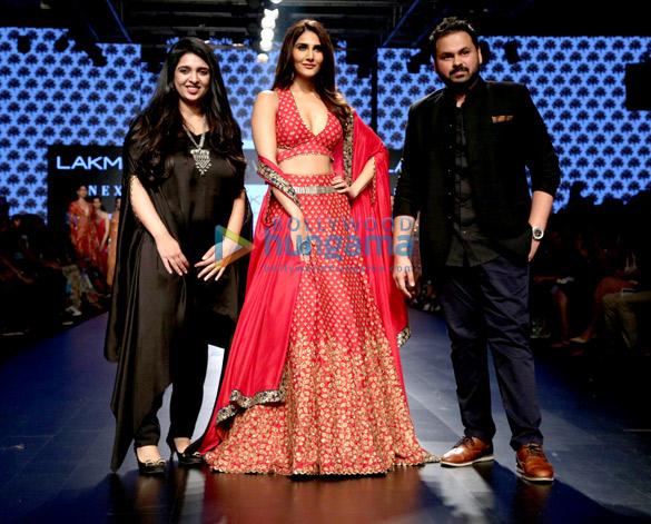 Vaani Kapoor walks for RVA at Lakme Fashion Week 2017