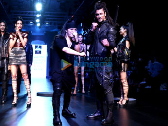 Vidhyut Jamwal walks for Asa Kazingmei at Lakme Fashion Week 2017