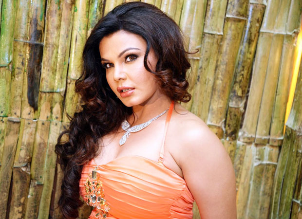 """I am best qualified to expose Honeypreet & her father Ram Rahim"" - Rakhi Sawant"