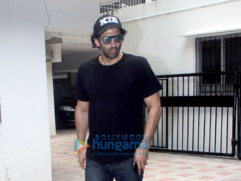 Aditya Roy snapped at Mohit Suri's office