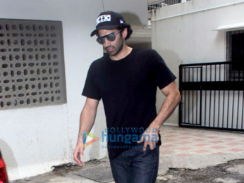 Aditya Roy snapped at Mohit Suri's office