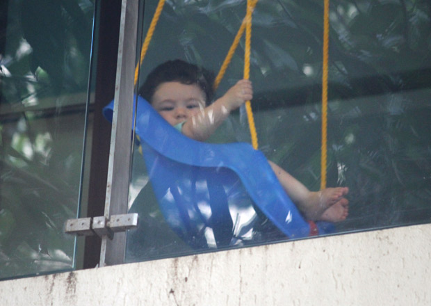 ADORABLE Taimur Ali Khan enjoys his day swinging away in these latest photos! (3)