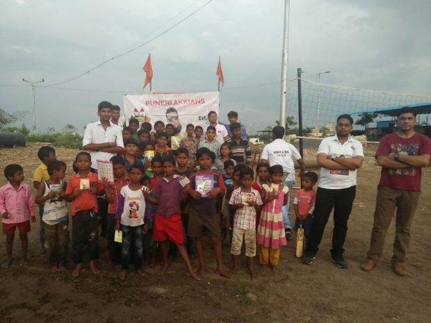 Akshay-Kumar's-fan-clubs-2