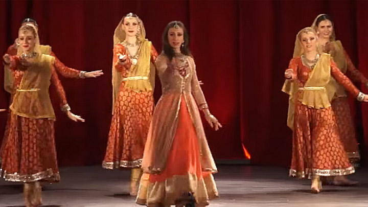 Amitabh Bachchan Should Come TO BOLLYWOOD FESTIVAL NORWAY  Polish Dance Group