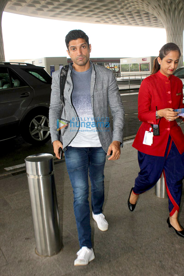 Farhan Akhtar and Karisma Kapoor snapped at the airport