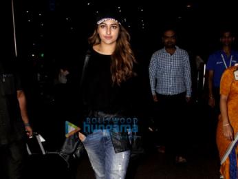 Jacqueline Fernandez, Sonakshi Sinha, Jahnavi Kapoor and Khushi Kapoor snapped at the airport