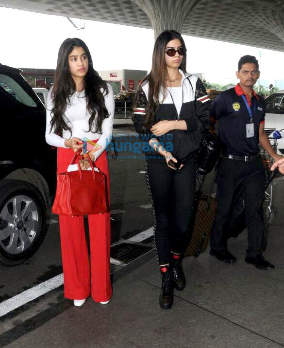 Jahnavi Kapoor and sister Khushi Kapoor snapped at the airport