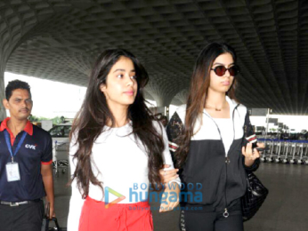 Jahnavi Kapoor and sister Khushi Kapoor snapped at the airport