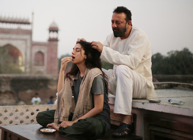 Bhoomi Making Of Father Daughter Moments - Bollywood Hungama-3942