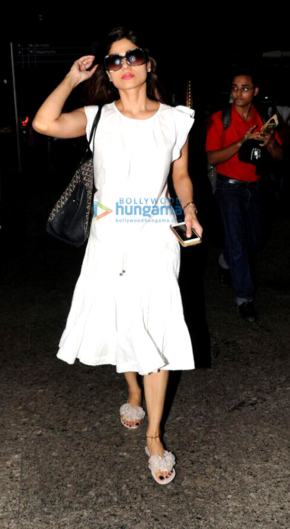 Shamita Shetty and Manish Paul snapped at the airport