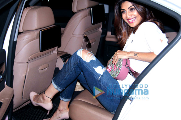 Shilpa Shetty & Raj Kundra spotted at Bandra