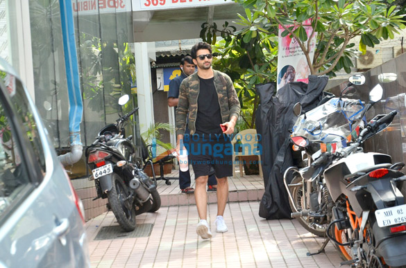 Sidhant Gupta snapped post his gym session in Bandra