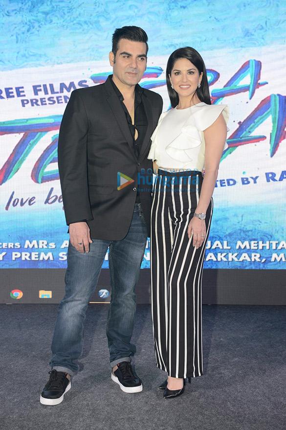 Sunny Leone & Arbaaz Khan launch the poster of 'Tera Intezaar'