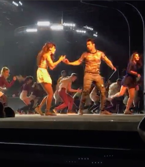 WATCH Varun Dhawan injures Taapsee Pannu while dancing on 'Chalti Hai Kya 9 Se 12'