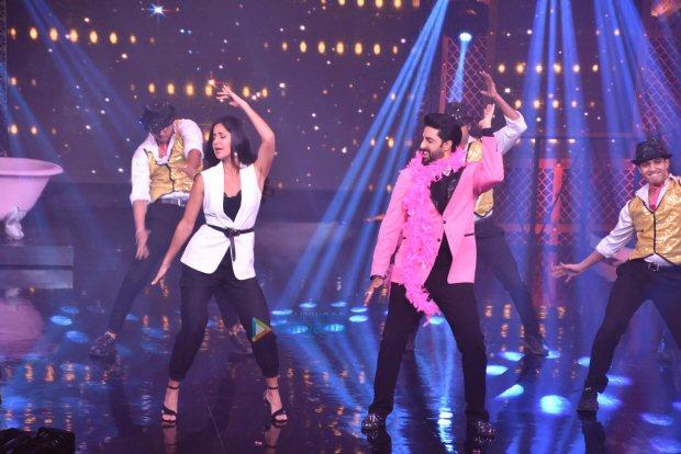 Check out Katrina Kaif grooves with Abhishek Bachchan on 'Sheila Ki Jawaani' (3)