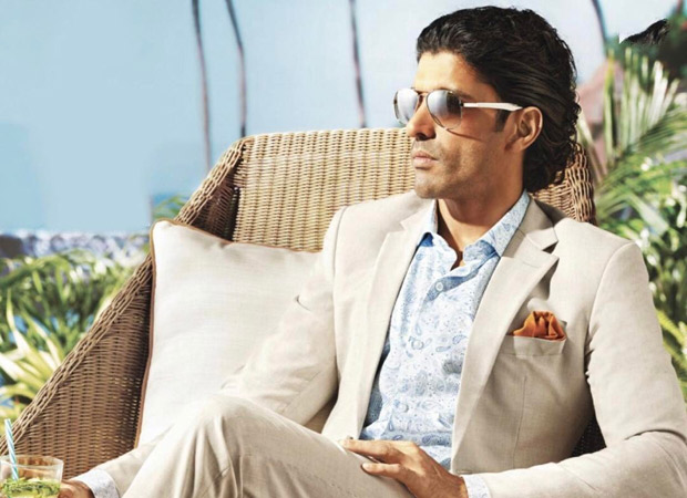 Farhan-Akhtar-classic-hot-look