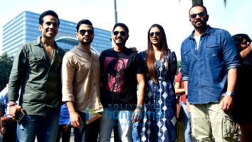 'Golmaal Again' team snapped having lunch