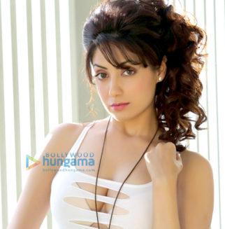 Celebrity Photos of Gurleen Chopra