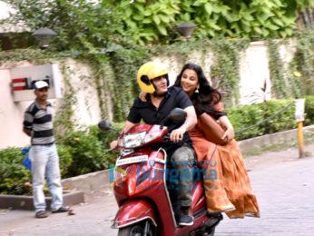 Vidya Balan and Manav Balan promote Tumhari Sulu on a scooty