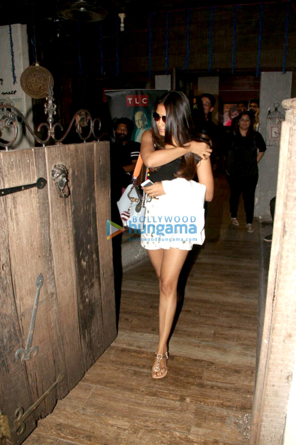 Mira Rajput spotted at Hakim Aalim in Bandra