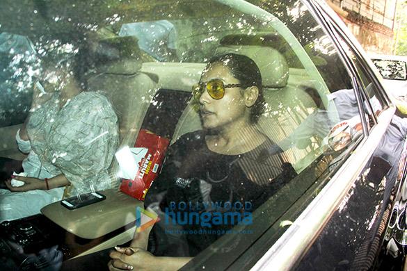Rani Mukerji at her father Ram Mukerji's funeral4
