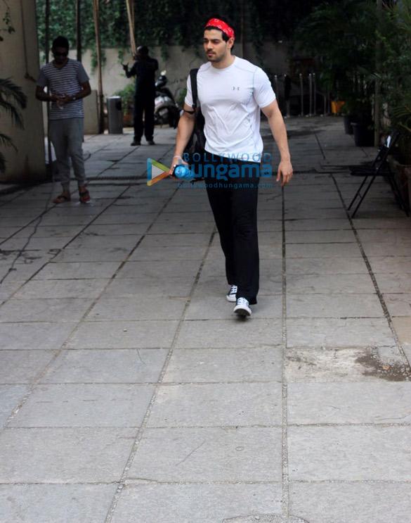 Sooraj Pancholi snapped outside Reset Gym