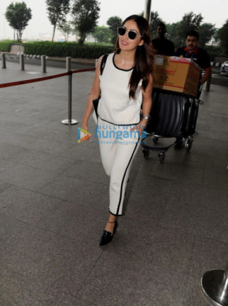 Yami Gautam snapped at the airport
