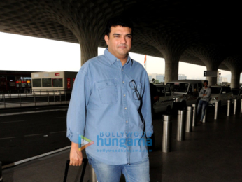 Aamir Khan, Akshay Kumar, Sunny Leone and others snapped at the airport