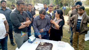 Ajay Devgn celebrates producer Kumar Mangat Pathak's birthday on the sets of 'Raid'