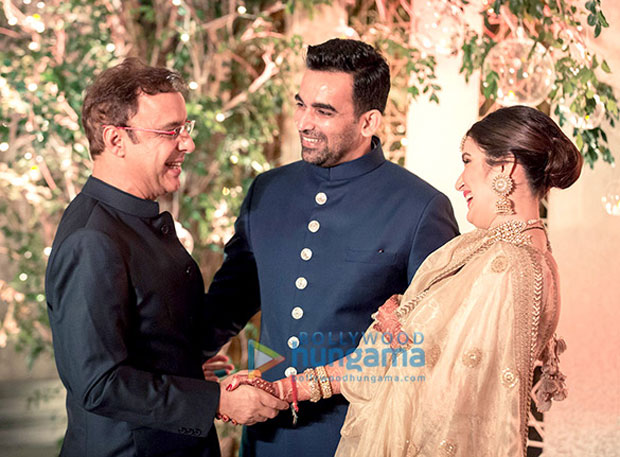 Anushka-Sharma,-Virat-Kohli-&-others-attend-Zaheer-Khan--Sagarika-Ghatge's-wedding-reception-(8)