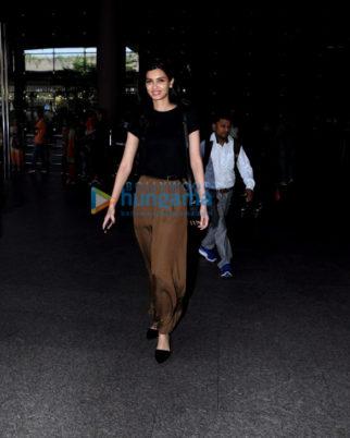 Diana Penty, Gauahar Khan and Karishma Tanna snapped at the airport