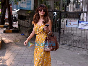 Esha Gupta snapped in Juhu