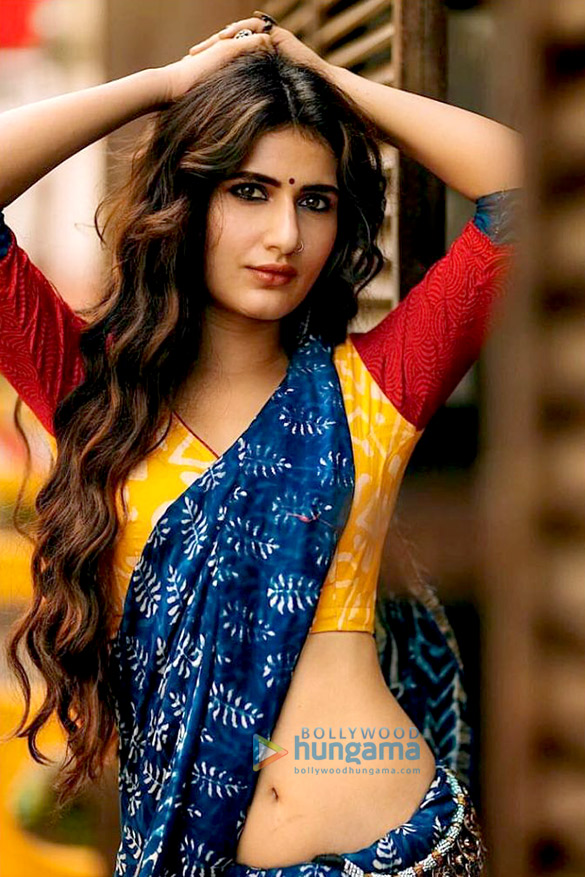 HOT! Fatima Sana Shaikh nails the desi look with a saree