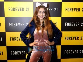 Karan Kundra and Anusha Dandekar launch Forever 21's store in Amritsar