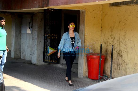 Kareena Kapoor khan snapped post her gym session in Khar