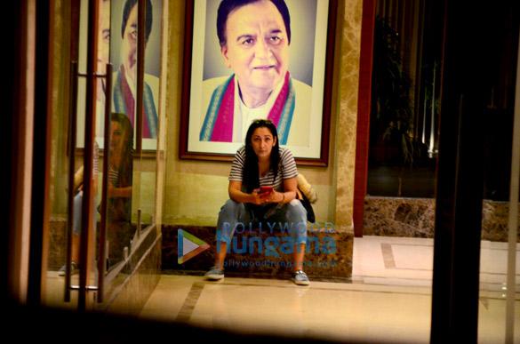Maanayata Dutt snapped outside her apartment