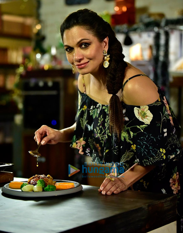 Maria Goretti on the sets of Living Foodz for Christmas shoot