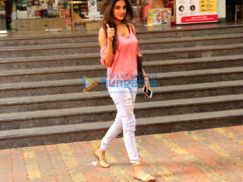 Nidhhi Agerwal and Mira Rajput snapped at Bandra
