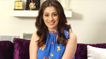 On Screen KISSING Tips By Julie 2 star Raai Laxmi