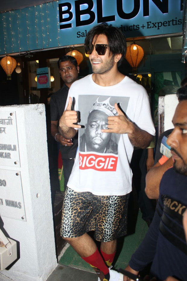 Ranveer Singh was spotted in his new look and we wonder what it is for-1
