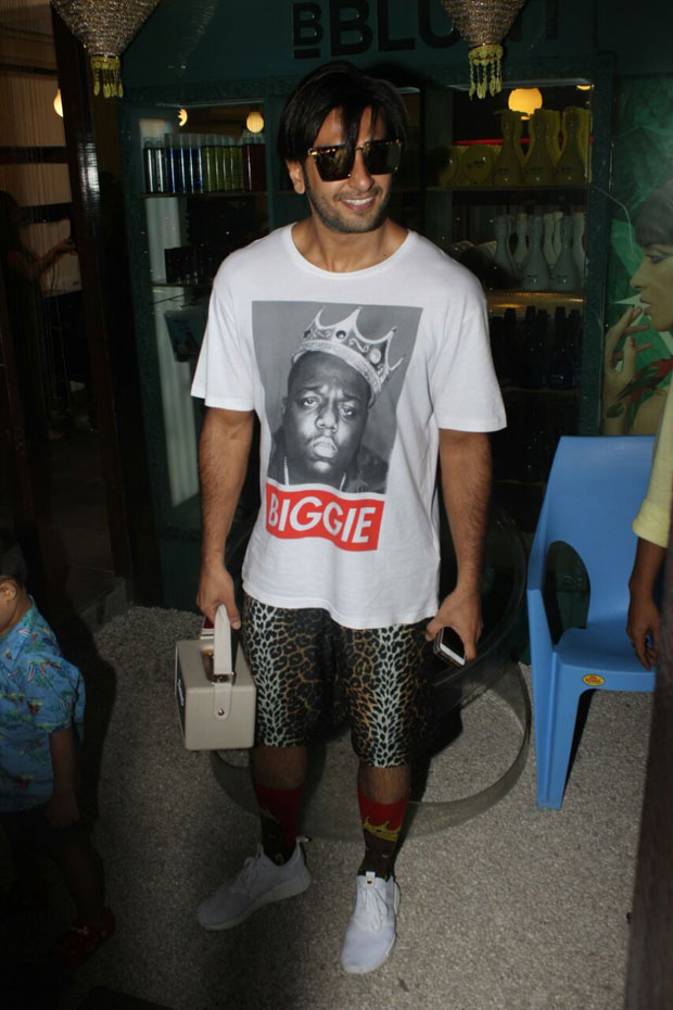 Ranveer Singh was spotted in his new look and we wonder what it is for-3