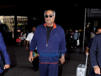 Riteish Deshmukh and Boney Kapoor snapped at the airport