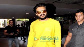 Riteish Deshmukh snapped at the airport