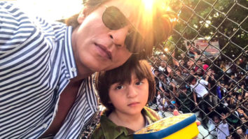 Shah Rukh Khan's GRAND Entry At Mannat With Son AbRam