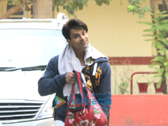 Shahid Kapoor, Kunal Khemu and Karan Singh Grover snapped outside their gym