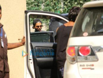 Shahid Kapoor, Nidhhi Agerwal, Karan Singh Grover snapped at gym